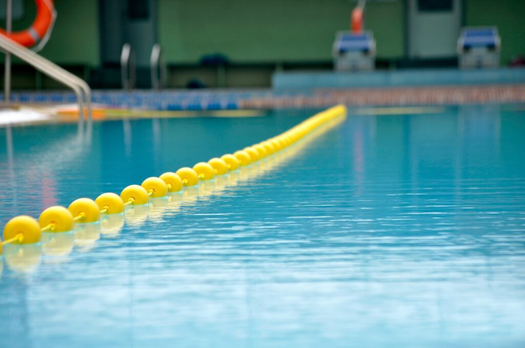Close up photo of a swimming lane in a swimming pool
